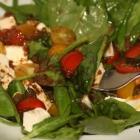 Spinatsalat mit lauwarmem Dressing (nicht nur Low Carb)