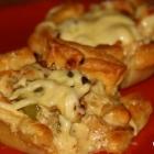 Käsige Blätterteig-Hähnchen-Muffins