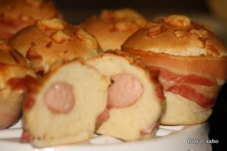 Hefe-Käse-Bacon-Würstchen-Dings