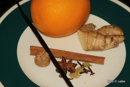 Selbst gemachtes Chai Tee Konzentrat