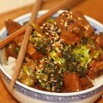 Brokkoli-Sesam-Huhn im Crocky