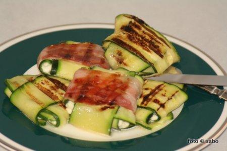 Zucchini-Ravioli (Low Carb mit vegetarischer Option)
