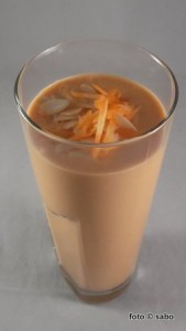 Carrot-Cake-Smoothie (Low Carb)