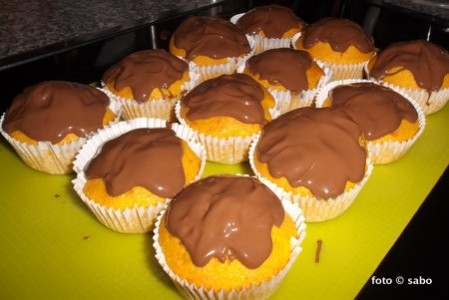 Brazilian Carrot Cake Cupcakes (Brasilianische Karottenkuchen Muffins) - Blender-Rezept