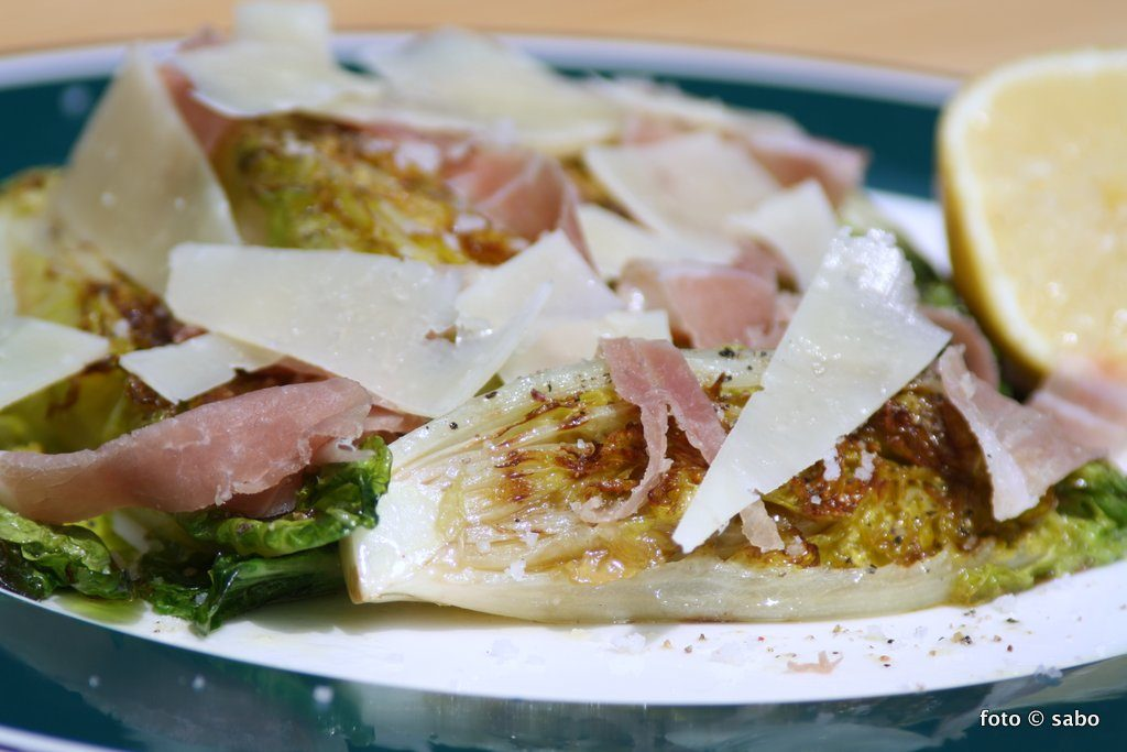Gegrillter Romana-Salat (Low Carb / Keto)