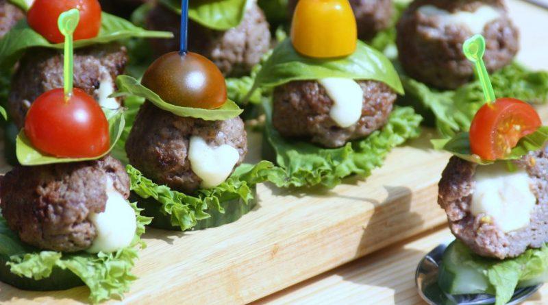Mini Caprese-Burger (Low Carb / Keto / Fingerfood)