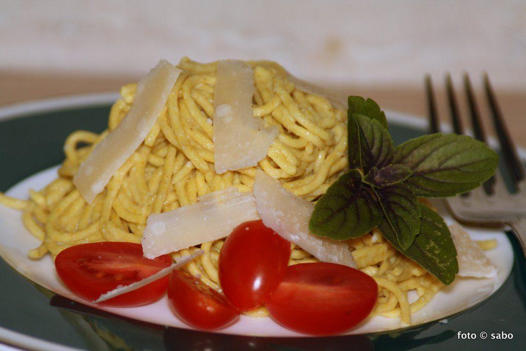 Spaghetti mit dem Pastamaker (Low Carb / Keto)