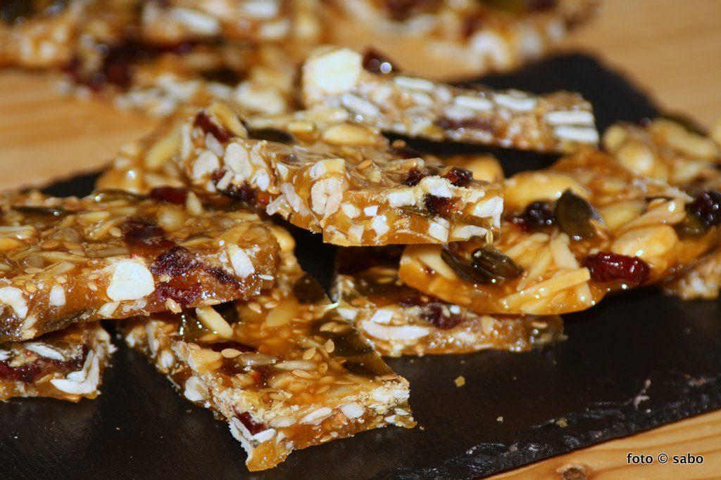 Nuss-Saaten-Riegel (Nut-Seed-Brittle)
