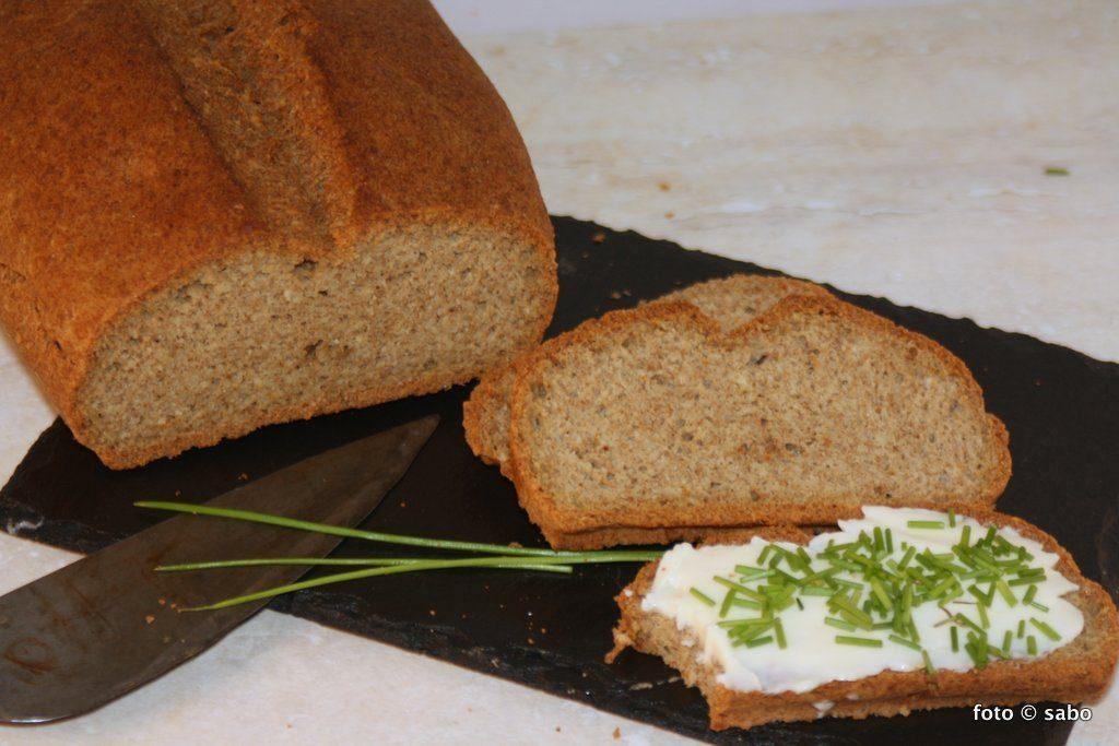 Leinmehl-Mandel-Brot (Low Carb / Keto)