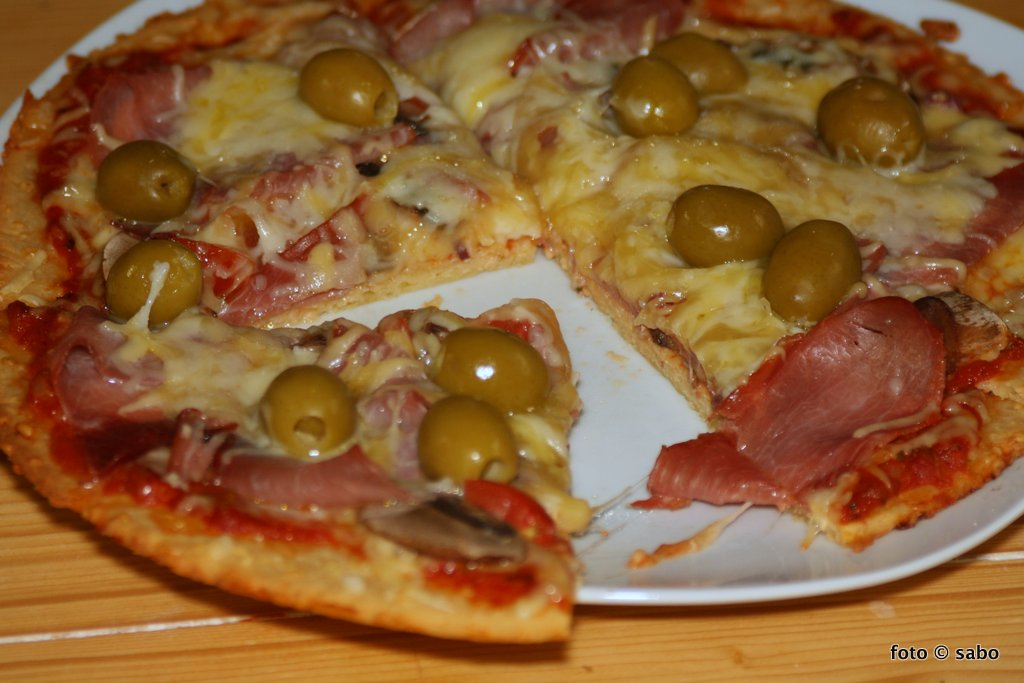 Nachgebacken: Keto-Pizza nach Simply Keto (Low Carb / Keto)