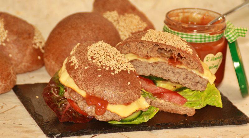 Aprikosenkernmehl-Brötchen / Burger Buns (Low Carb / Keto)