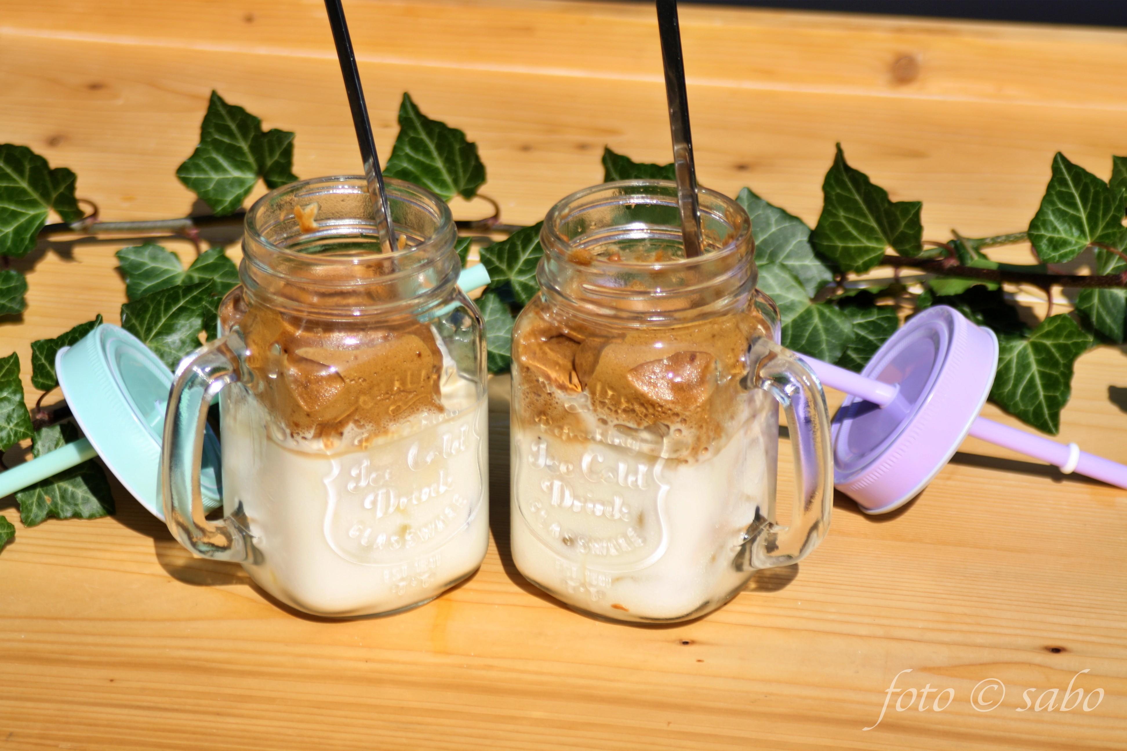 Dalgona Coffee / Whipped Coffee (Low Carb / Keto)